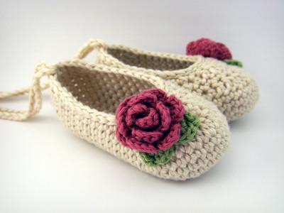 crochet-flower-booties