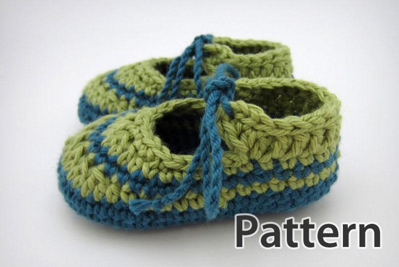 Crochet Pattern ? Baby Tie Booties JennOzkan